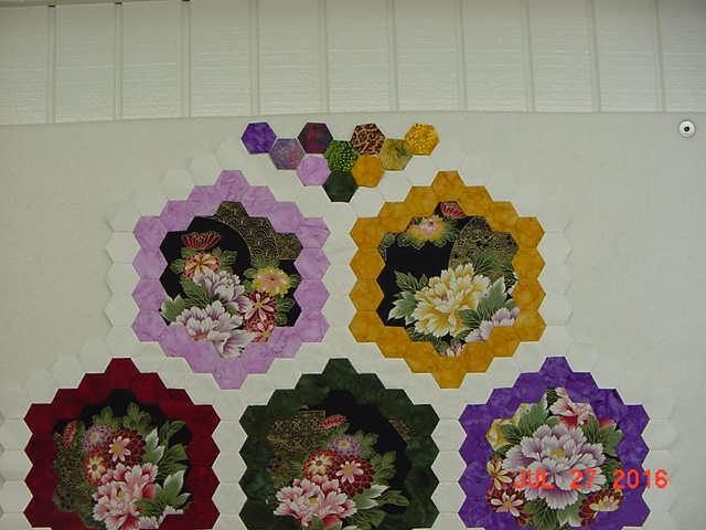 Brinton Hall Medallion Top Hexagons